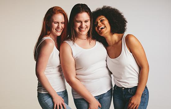 Sirona drei Frauen lachen zusammen